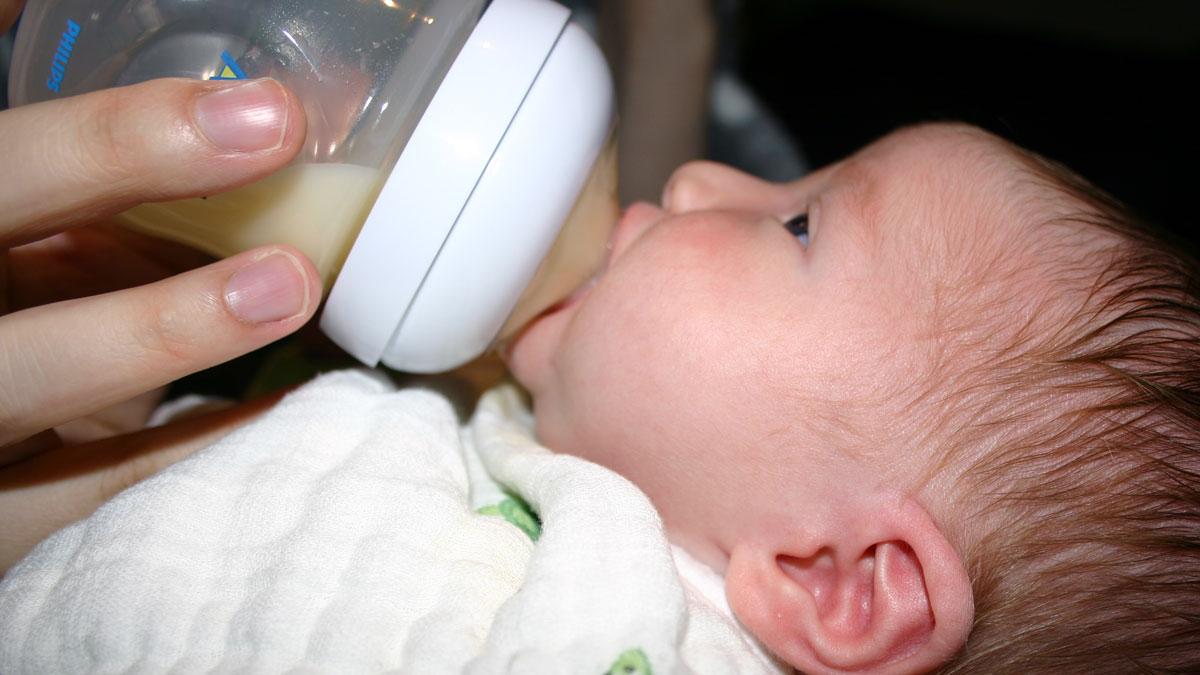 From Breastfeeding to Bottle Feeding