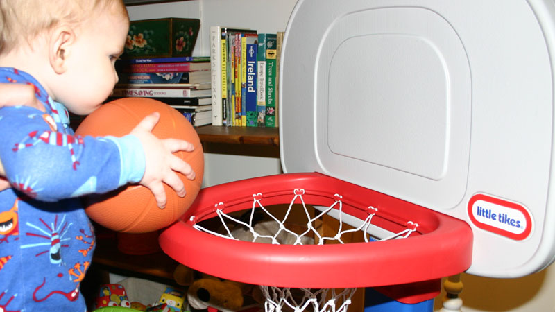 Little Tikes EasyScore Basketball Set Test Run